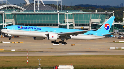 HL8347 - Boeing 777-3B5ER - Korean Air