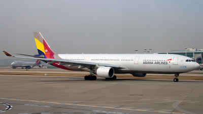 HL8286 - Airbus A330-323 - Asiana Airlines