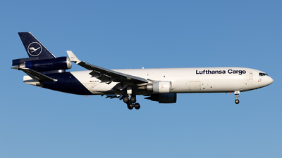 A picture of DALCC - McDonnell Douglas MD11F - Lufthansa Cargo - © Cary Liao