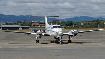 N300DU - Beechcraft B300 King Air - Private