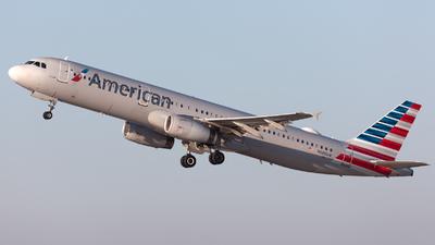 N585UW - Airbus A321-231 - American Airlines