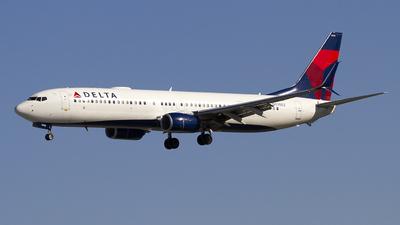 A picture of N930DZ - Boeing 737932(ER) - Delta Air Lines - © Jeremy D. Dando