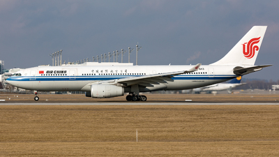 B-6113 - Airbus A330-243 - Air China