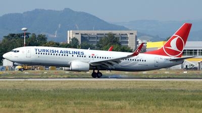 A picture of TCJVE - Boeing 7378F2 - Turkish Airlines - © Donato Bolelli