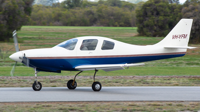 VH-YFM - Lancair IV - Private