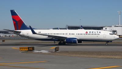 N389DA - Boeing 737-832 - Delta Air Lines