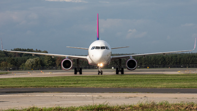 HA-LXW - Airbus A321-231 - Wizz Air