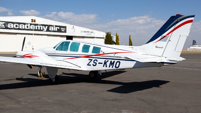 ZS-KMO - Beechcraft 58 Baron - Private