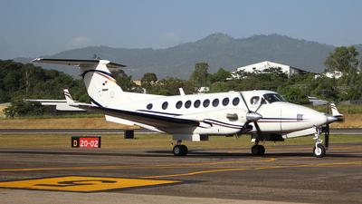 HP-1588 - Beechcraft B300 King Air 350 - Private
