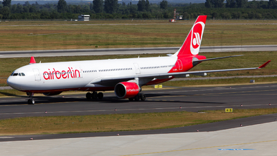 D-AERQ - Airbus A330-322 - Air Berlin