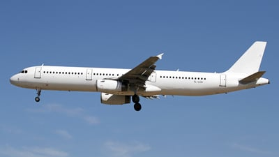 YL-LCQ - Airbus A321-231 - SmartLynx Airlines
