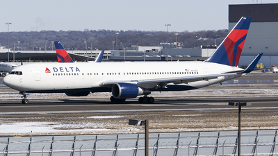 A picture of N174DZ - Boeing 767332(ER) - Delta Air Lines - © John Newsome