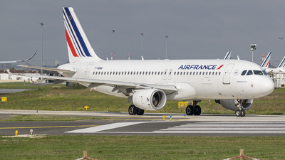 A picture of FHBNG - Airbus A320214 - Air France - © Xyfury