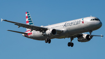A picture of N585UW - Airbus A321231 - American Airlines - © Yenzell A. López Amador