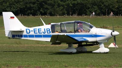 A picture of DEEJB -  - [] - © Andreas van den Berg