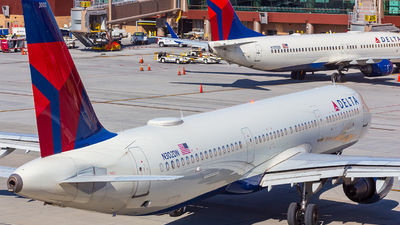 A picture of N302DN - Airbus A321211 - Delta Air Lines - © Micah Vobora