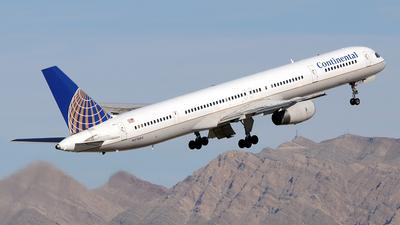 N57864 - Boeing 757-33N - Continental Airlines