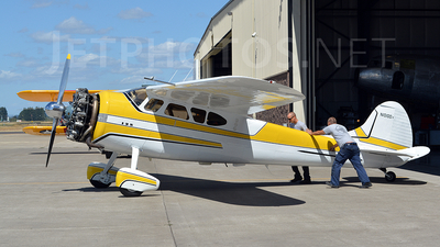 N1010D - Cessna 195A - Private