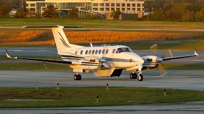N828PG - Beechcraft B300 King Air 350 - Private