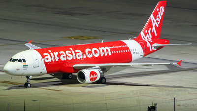 VT-CCU - Airbus A320-214 - AirAsia India
