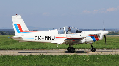 OK-MNJ - Zlin 142 - Private