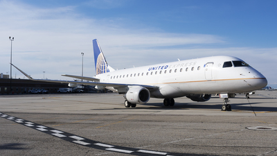 A picture of N127SY - Embraer E175LR - United Airlines - © Michael Rodeback