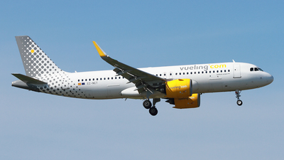 A picture of ECNCT - Airbus A320271N - Vueling - © Cele