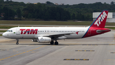 PT-MZU - Airbus A320-232 - TAM Linhas Aéreas