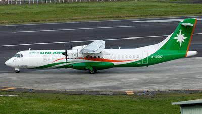 A picture of B17007 - ATR 72600 - UNI Air - © Hon Kit
