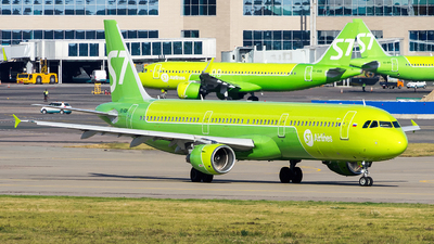 A picture of VQBQK - Airbus A321211 - S7 Airlines - © Sergey Popkov