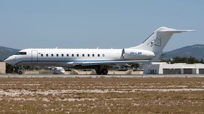 VH-LAW - Bombardier BD-700-1A10 Global Express XRS - Walker Air Service