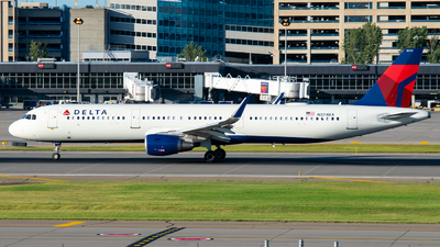A picture of N374DX - Airbus A321211 - Delta Air Lines - © Steve Rinde