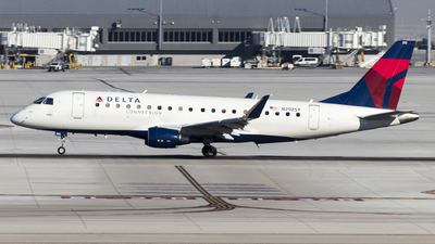 A picture of N292SY - Embraer E175LL - Delta Air Lines - © David Lee