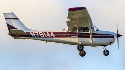 N79144 - Cessna 172K Skyhawk - Private