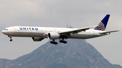 A picture of N2644U - Boeing 777322(ER) - United Airlines - © Lewis Edward Latham
