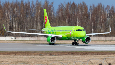 A picture of VPBOM - Airbus A320214 - S7 Airlines - © Marianna Rychkovskaia