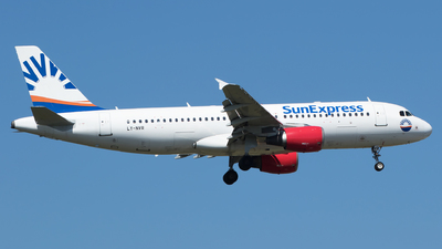 LY-NVR - Airbus A320-214 - SunExpress (Avion Express)