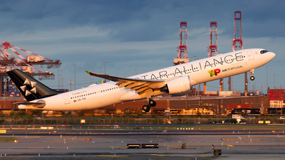 A picture of CSTUK - Airbus A330941 - TAP Air Portugal - © Chad Chen