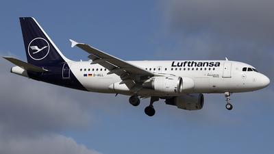 A picture of DAILL - Airbus A319114 - Lufthansa - © Sam Randles