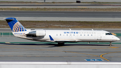 A picture of N905SW - Mitsubishi CRJ200LR - United Airlines - © global_flyer1
