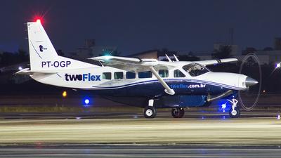 PT-OGP - Cessna 208 Caravan - Two Taxi Aéreo