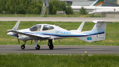UP-LA255 - Diamond DA-42 Twin Star - Aeroprakt.kz