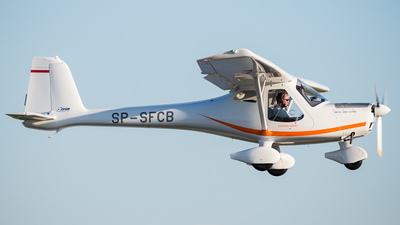 A picture of SPSFCB - 3xTrim 450 Ultra - [] - © Adrian Swietlik