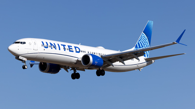N37523 - Boeing 737-9 MAX - United Airlines