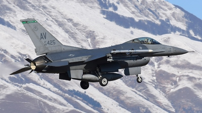 88-0425 - General Dynamics F-16CG Fighting Falcon - United States - US Air Force (USAF)