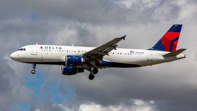 A picture of N342NW - Airbus A320212 - Delta Air Lines - © Sweet Potato