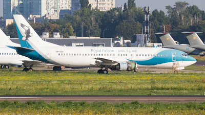 UR-CSV - Boeing 737-4K5 - Flightradar24