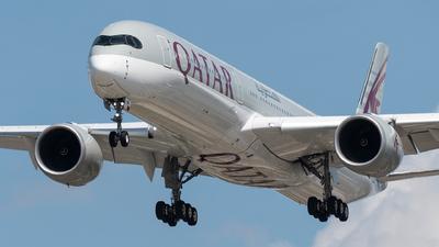 A picture of A7ANN - Airbus A3501041 - Qatar Airways - © bill wang