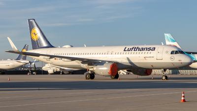 A picture of DAIUM - Airbus A320214 - Lufthansa - © Justin Stöckel