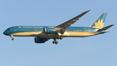 A picture of VNA861 - Boeing 7879 Dreamliner - Vietnam Airlines - © Tek